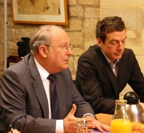 """Richard Prasquier au """"café civique"""" de la Revue Civique du 17 février 2012"""