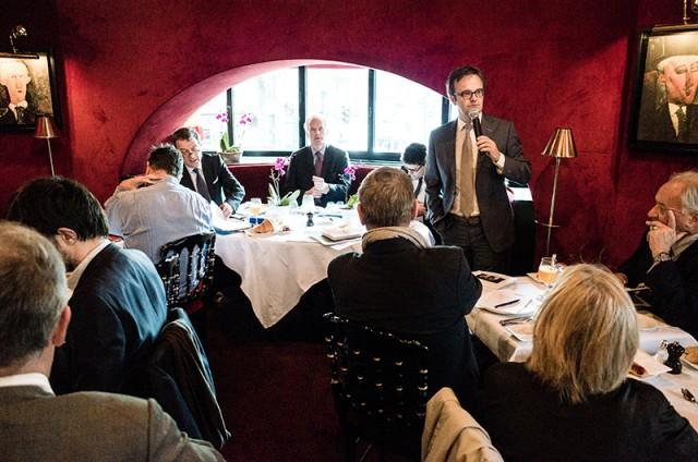 François Miquet-Marty lors du petit-déjeuner du club Viavoice du 30 octobre 2015 avec Michel Barnier
