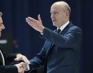 Alain Juppé creuse l'écart avec Sarkozy, y compris chez les sympathisants de droite et du centre