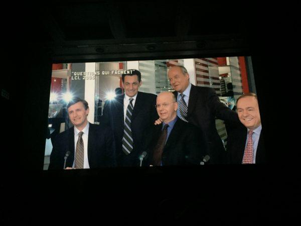 Ici, Patrick Buisson exulte: avec Nicolas Sarkozy en 2005 (Jérôme Jaffré, à sa droite, Nicolas Beytout, à sa gauche), le courant va passer...